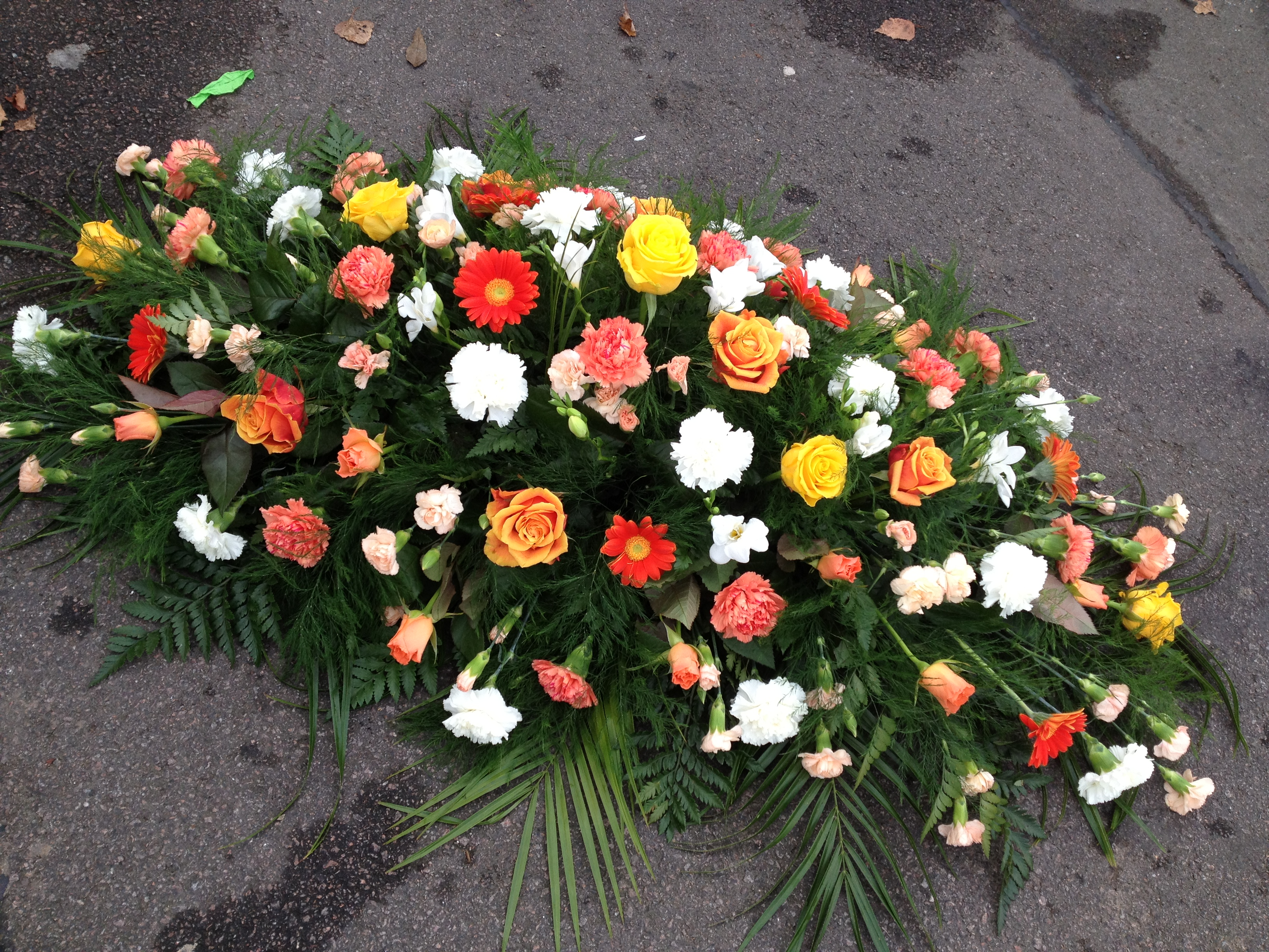 Funeral flower arrangements leicester the personal touch de13 double ended spray from 5000 izmirmasajfo