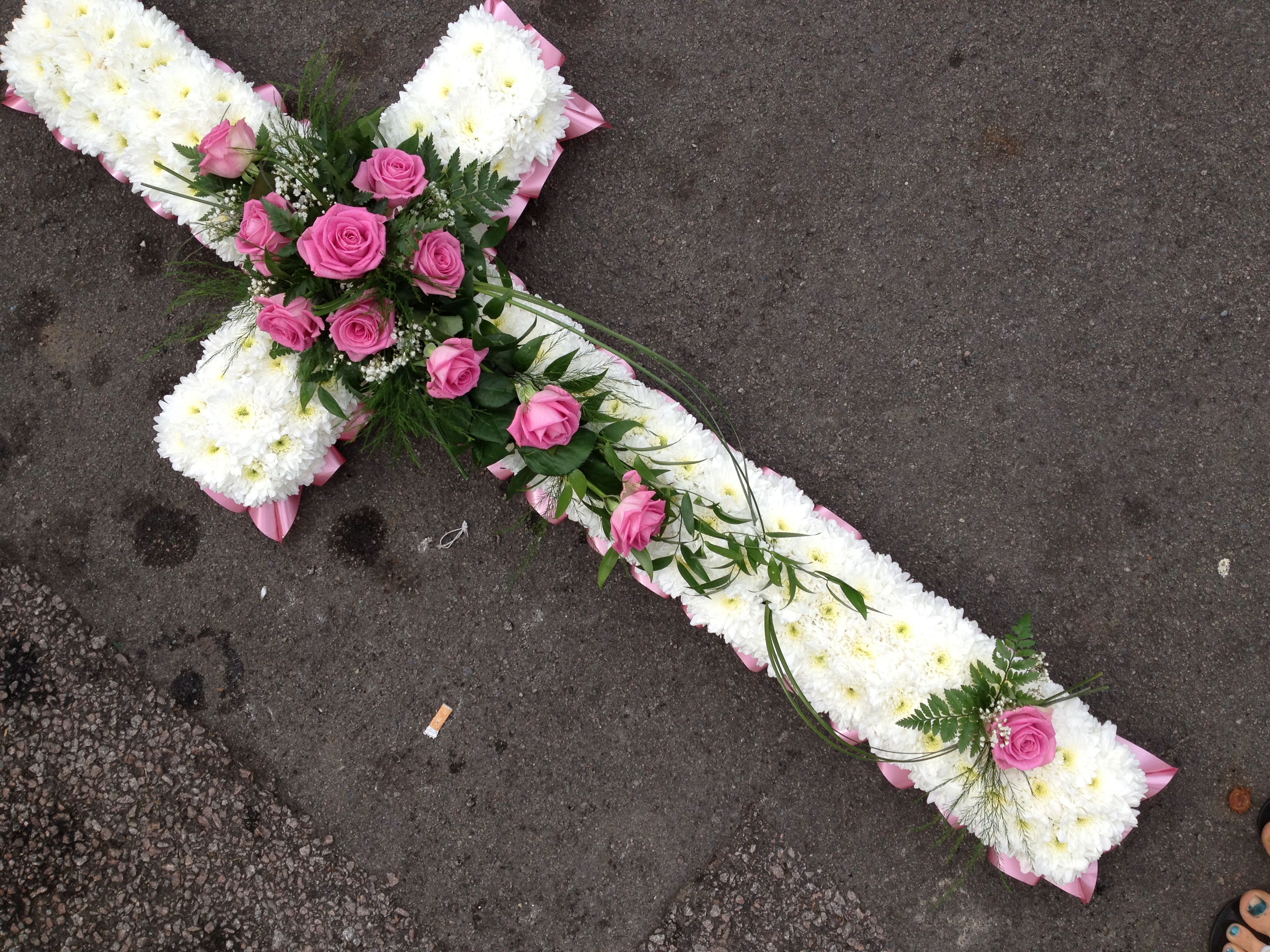 Blocked funeral tribute flowers bc2 cross from 4500 izmirmasajfo