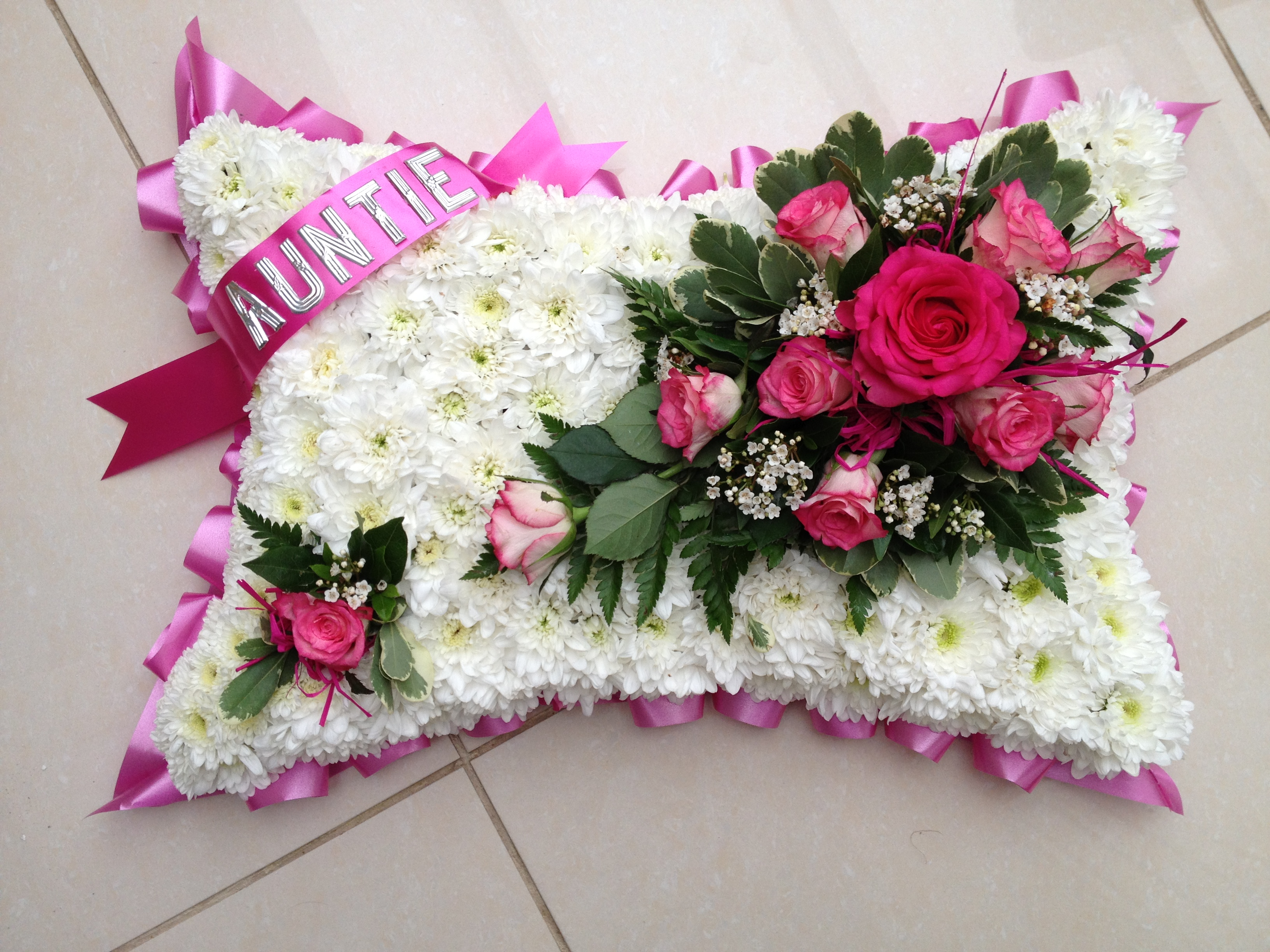 Blocked funeral tribute flowers bp2 pillow tribute from 5000 izmirmasajfo